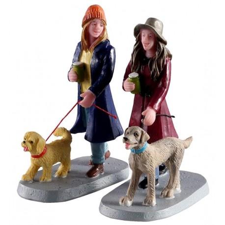 Amies qui promènent leur chien lot de 2 Lemax