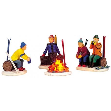 Scène lumineuse Skieurs autour du feu Lot de 4 Lemax