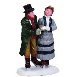 Couple en patins à glace Lemax Caddington
